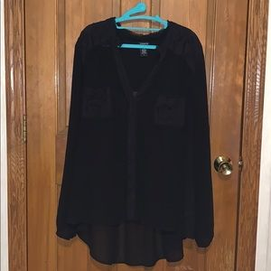 Black lace blouse hi-lo